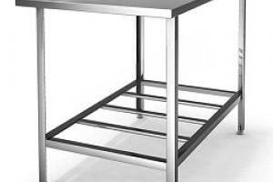 Ключевые особенности и главные преимущества столов из нержавейки