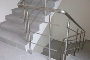 Лестничные ограждения, поручни и перила из нержавеющей стали